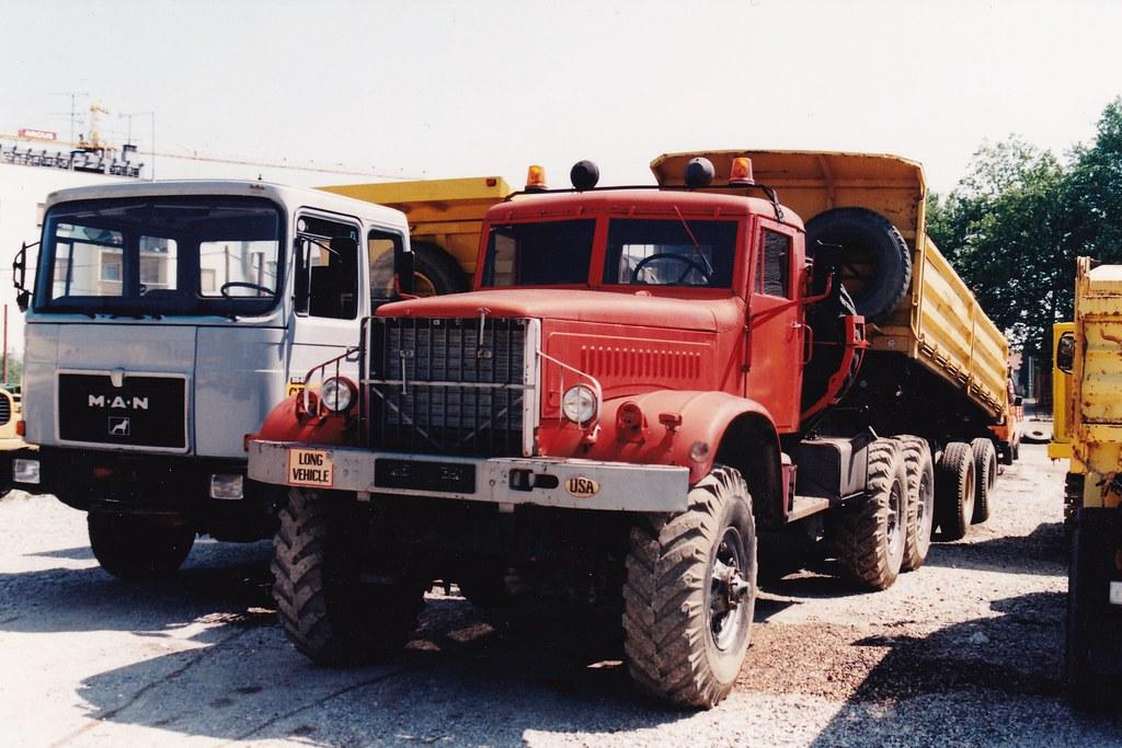 KrAZ-214V 6x6 Semi-Trailer Zagreb Park Velesajam Croatie Hrvatska 1997a
