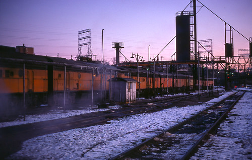 themilwaukeeroad milwaukee wisconsin emd electromotivedivision f7b bluehour twilight