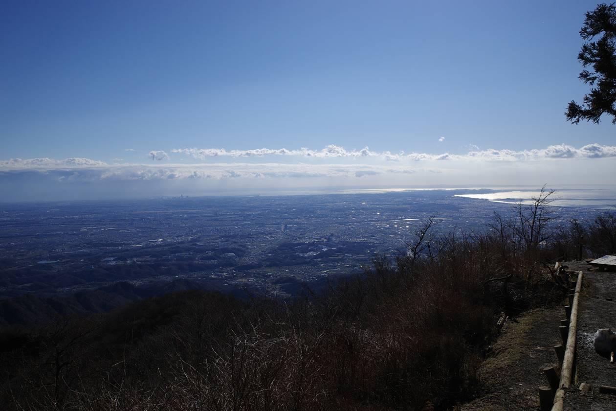 丹沢・大山山頂から眺める街の展望