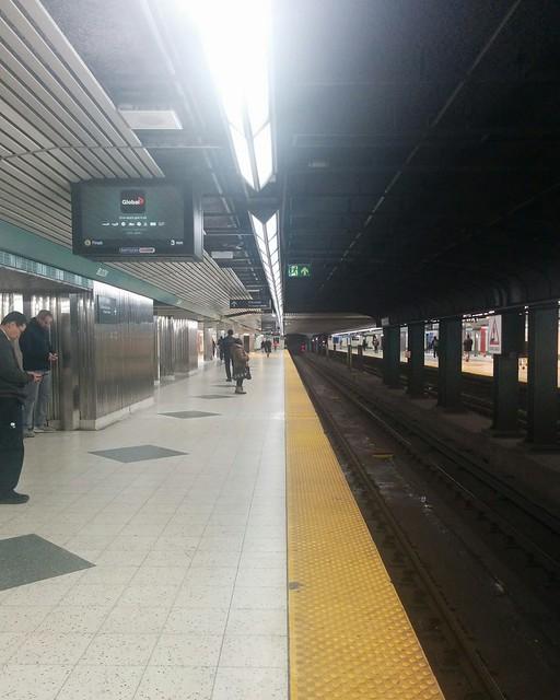 Platform, Tuesday #toronto #ttc #subway #blooryonge #coronavirustoronto #latergram
