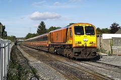 201 & MK3s on 1705 Dublin Heuston-Limerick at Hazelhatch 10-Sept-07