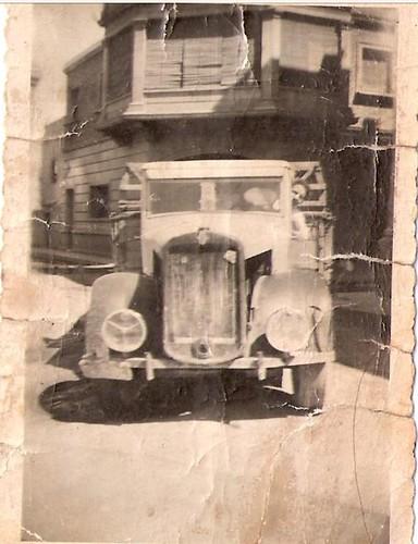 chevrolet postguerra davant casa Sr Miquel Ratés