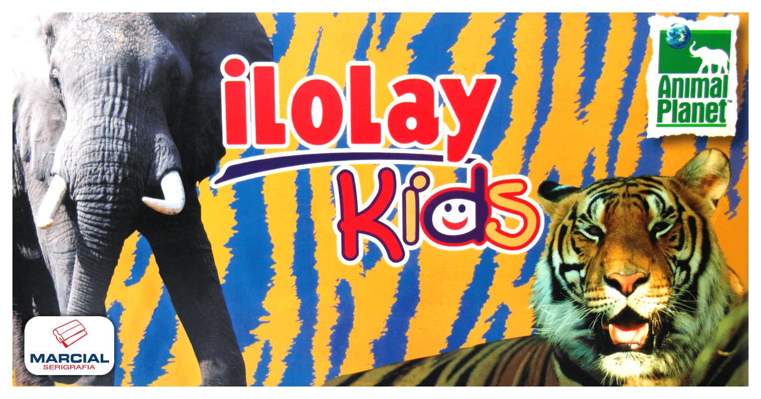 Cartel de Ilolay Kids impreso sobre alto impacto en cuatricromía.