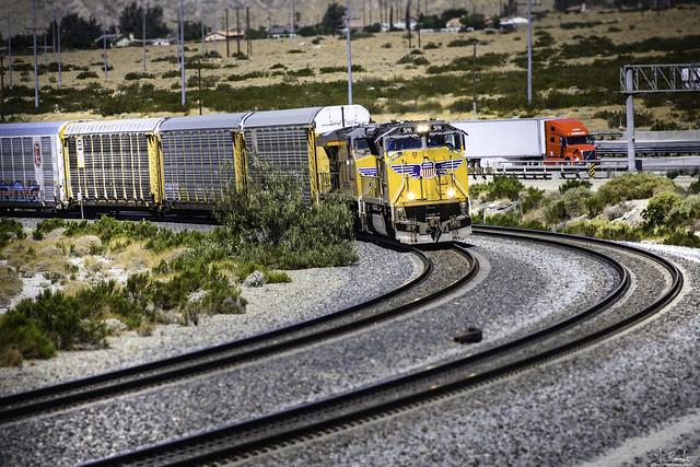 Train 5191 near Whitewater - California - USA