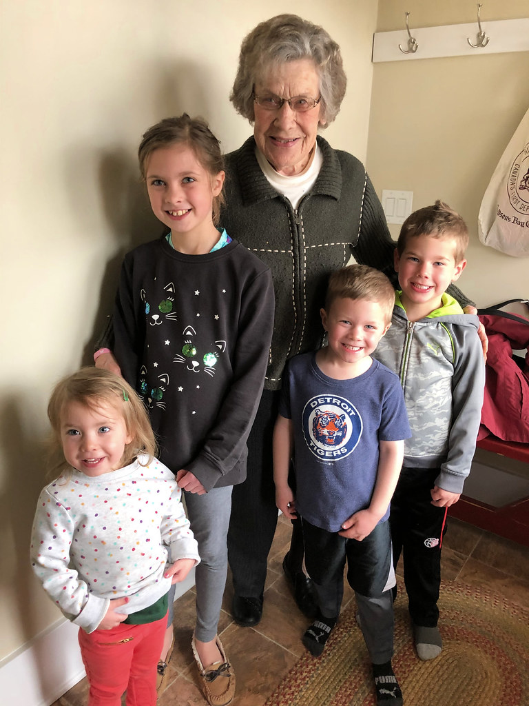 kids with great grandma