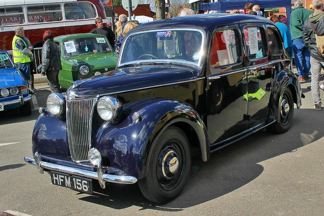 225 Lanchester LD10 (1947)