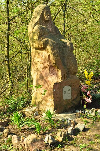 März 2020 ... Kalvarienberg (Kreuzweg) zwischen Mannheim-Seckenheim und Mannheim-Pfingstberg ... Brigitte Stolle