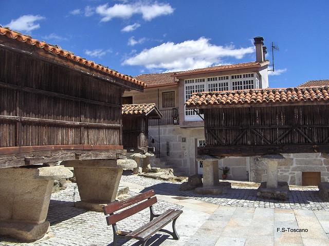 Aira de Congostro. Horreos 2. Ourense.