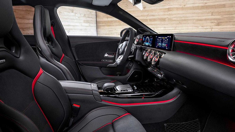2020-Mercedes-AMG-CLA-45-S-4MATIC+-Shooting-Brake-Interior-Wallpaper