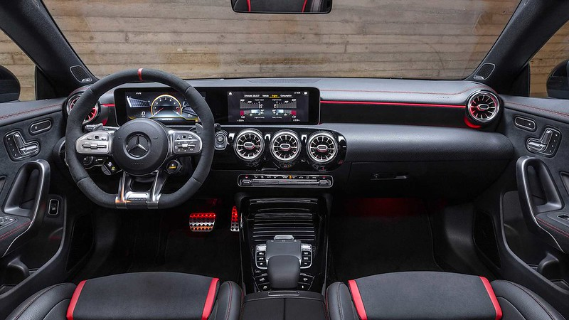 2020-Mercedes-AMG-CLA-45-S-4MATIC+-Shooting-Brake-Interior-Wallpaper-2