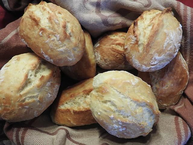 Homemade bread rolls - Hausgemachte Schrippen