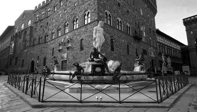 Firenze - Piazza della Signoria - Fontana del Nettuno, detta anche di Piazza o il Biancone