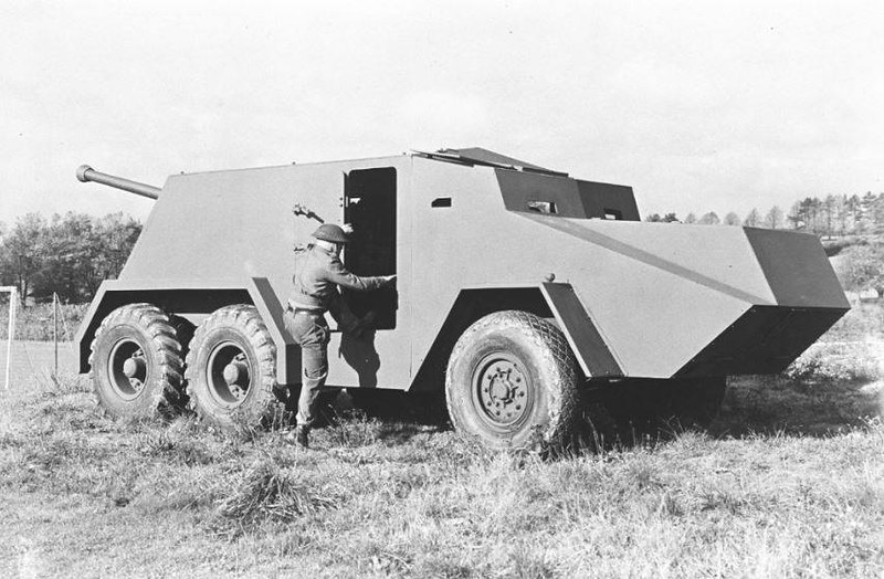 Thornycroft-Amazon-6x4-SP-17pdr-AT-ljyp-1