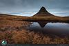 Il monte Kirkjufell specchiato
