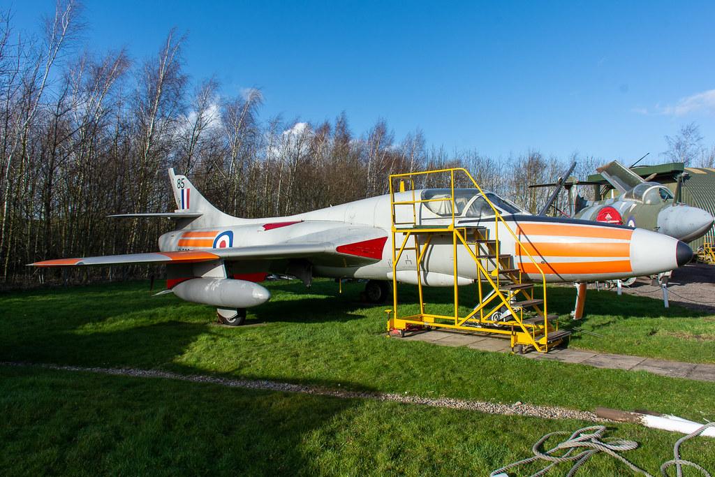 XL569 | Hawker Hunter T.7 | East Midlands Aeropark