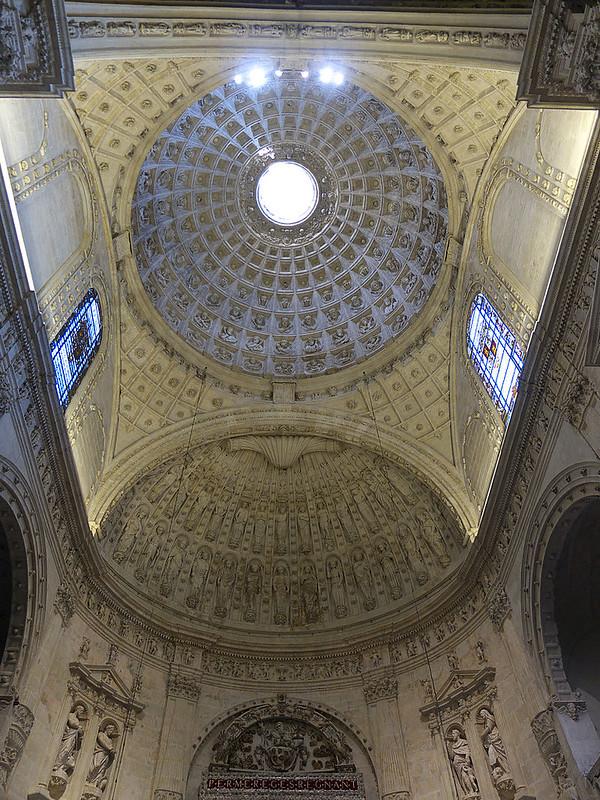 800px-Capilla_Real_(bóveda)._Catedral_de_Sevilla