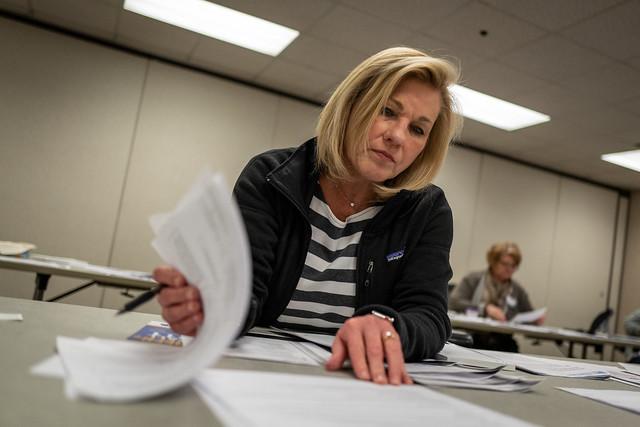School Nurses Help Staff 211 Service