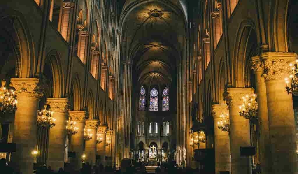 un-regard-sur-la-restauration-de-la-cathédrale-Notre-Dame