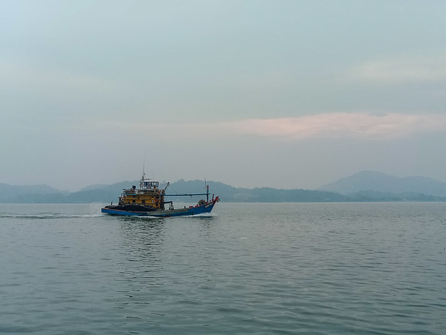 Heading for dock at Sungai Pinang Kecil