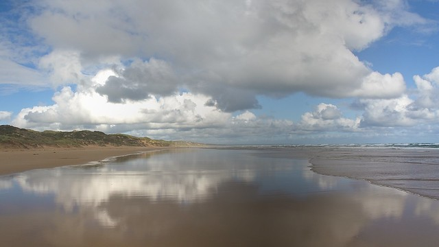 82/366 The empty beach