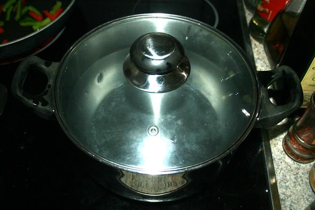 20 - Topf reinigen & mit Wasser neu aufsetzen / Clean pot & Fill with water for cook spaghetti