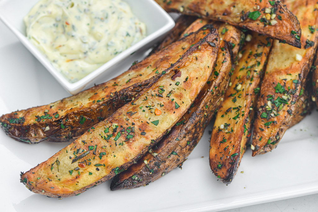 Grilled Garlic and Herb Potato Wedges