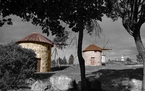 portugal centre penacova luso architecture noiretblanccoloré blackandwhite recoloured moulins windmills payages landscapes