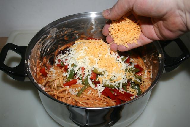 35 - Käse einstreuen / Add cheese
