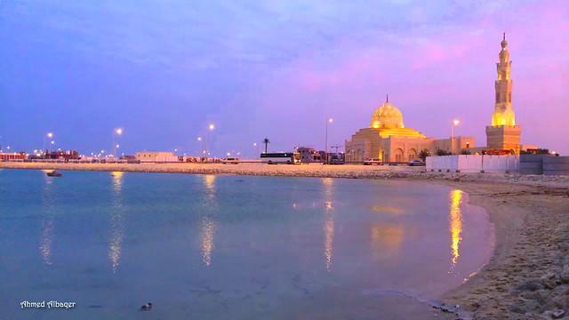 Diyar Al Muharraq grand mosque .. Bahrain جامع ديار المحرق الكبير عند الصباح