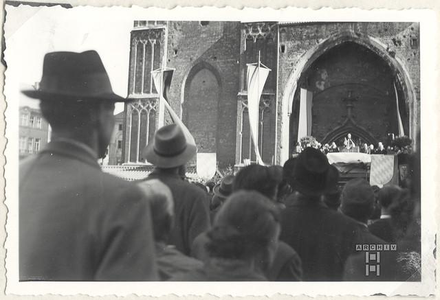 ArchivTappenV756 Dom, Kardinal Wendel, Kronprinz Rupprecht, München, Oktober 1953