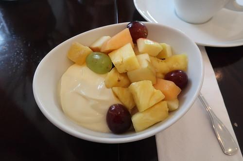 Vanillequark mit Obstsalat
