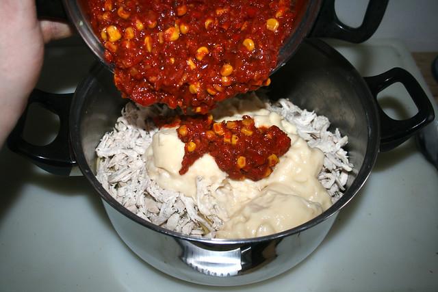 29 - Salsa dazu geben / Add salsa