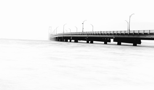 citybythesea claibornepellbridge narragansettbay newenglandphotography newportbridge newportri oceanstate ri rhodeisland clouds coastalnewengland coastline fineartphotography longexposure seascapephotography seashore sky sunset water blackandwhitephotography bw minimalistphotography negativespace newport unitedstatesofamerica