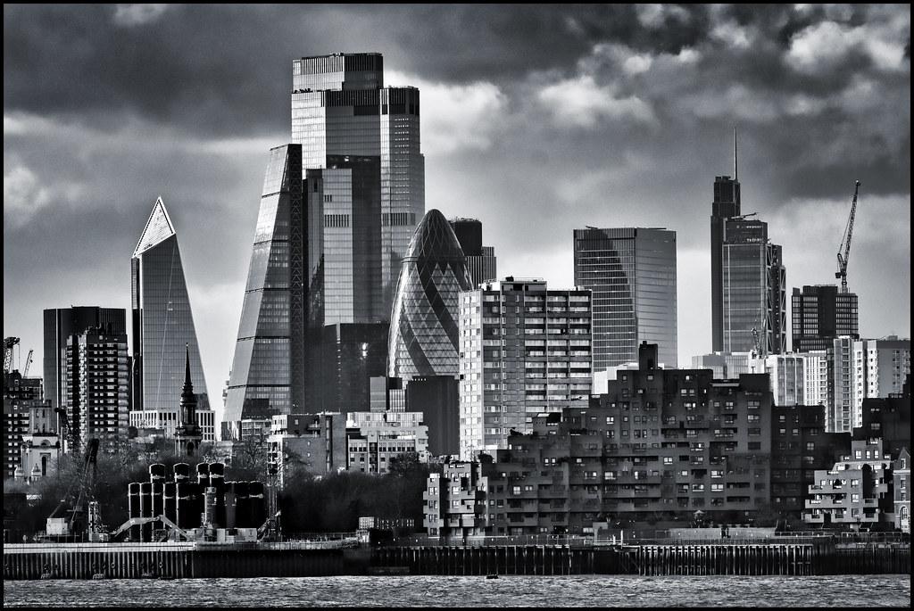 UK - London - City skyline 01_mono_DSC2458