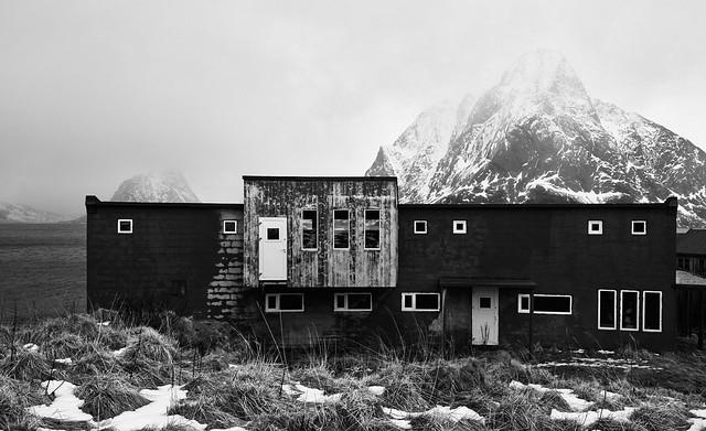 Huset med utsikt mot Olstinden