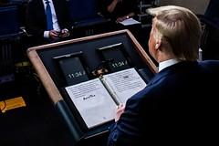 Trump sửa Cov-cum tau