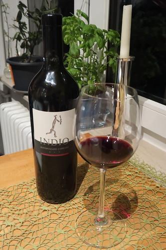 Indio Montepulciano d'Abruzzo (= kräftiger italienischer Rotwein aus den Abruzzen)