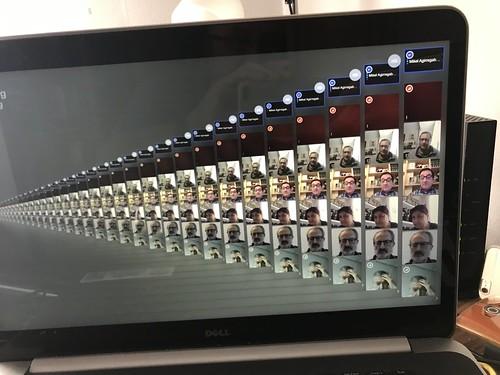 Imágenes recursivas e infinitas de una videoconferencia
