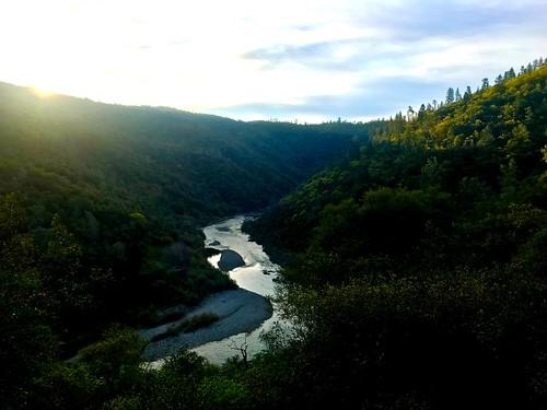 morningrun wst westernstatestrail spring exploreauburnca auburnca asra auburnstaterecreationarea americanriver sunrise
