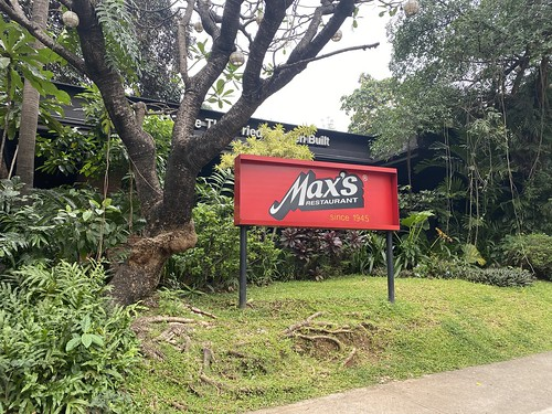Max's, Tomas Morato | by beingjellybeans