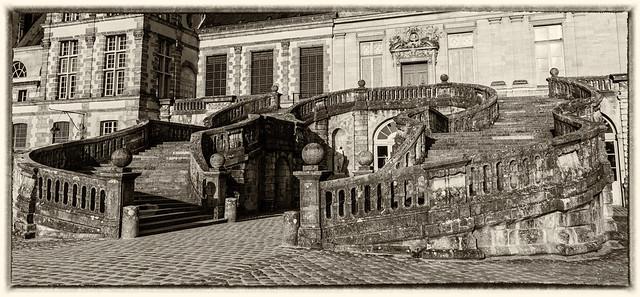 L'Escalier en fer-à-cheval du château de Fontainebleau