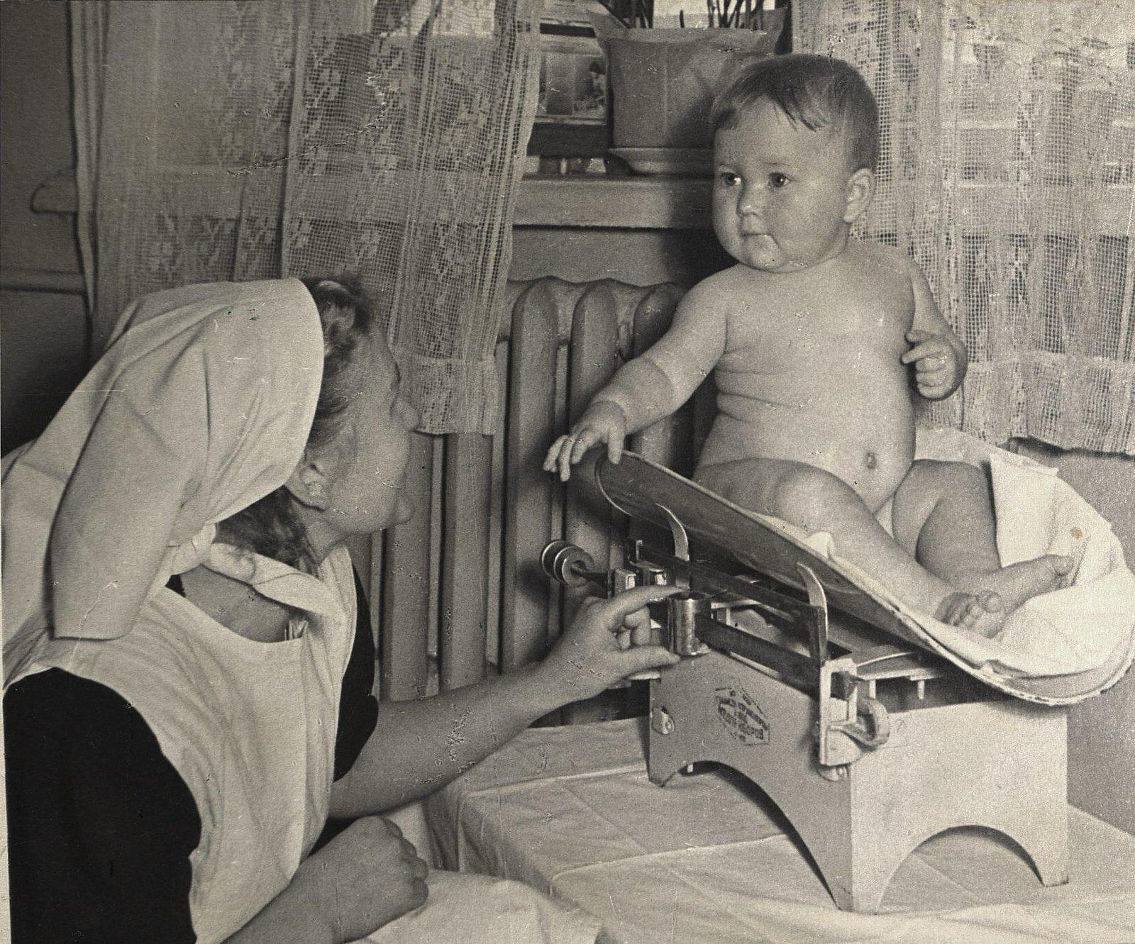 14. Медицинская сестра, осуществляющая патронаж на дому