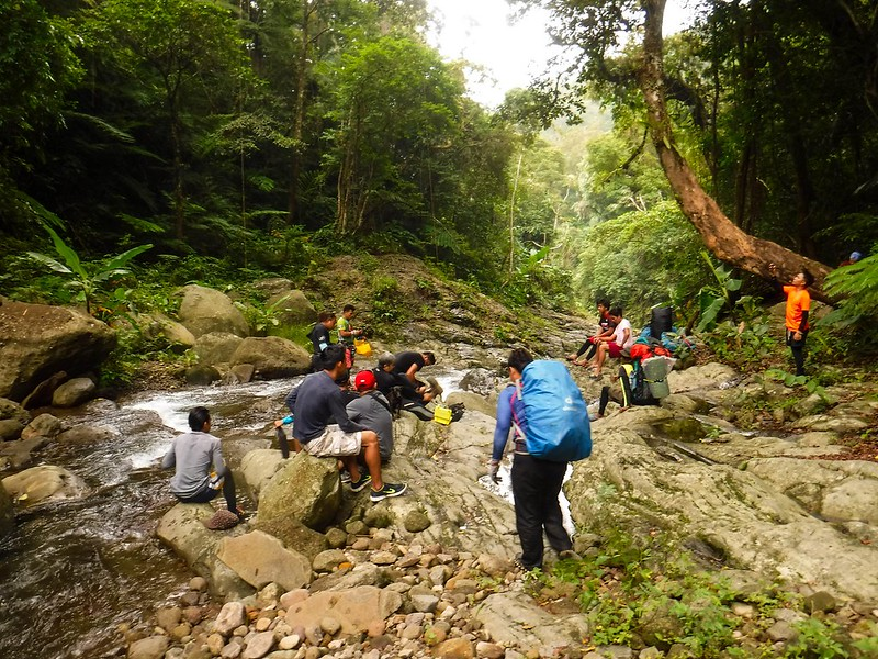 Meeting up with the canyoning porters and guides