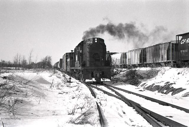 Conrail 7604 Smokin'