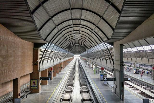 Estación de  Trenes Santa Justa, Sevilla, nivel 8-Detalle. Train-Station
