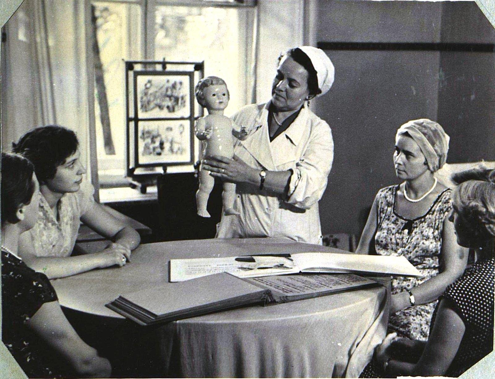12. Школа материнства. Занятие с беременными