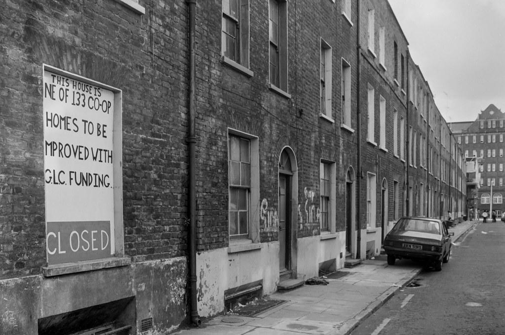 Parfett St, Whitechapel, Tower Hamlets 86-5e-35_2400