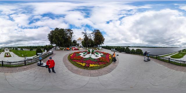 360°   Aussichtspunkt auf die Strelka (Park) und die Wolga