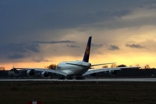 Lufthansa, D-AIMM, MSN 175, Airbus A 380-841, 24.02.2015,  XFW-EDHI, Hamburg Finkenwerder