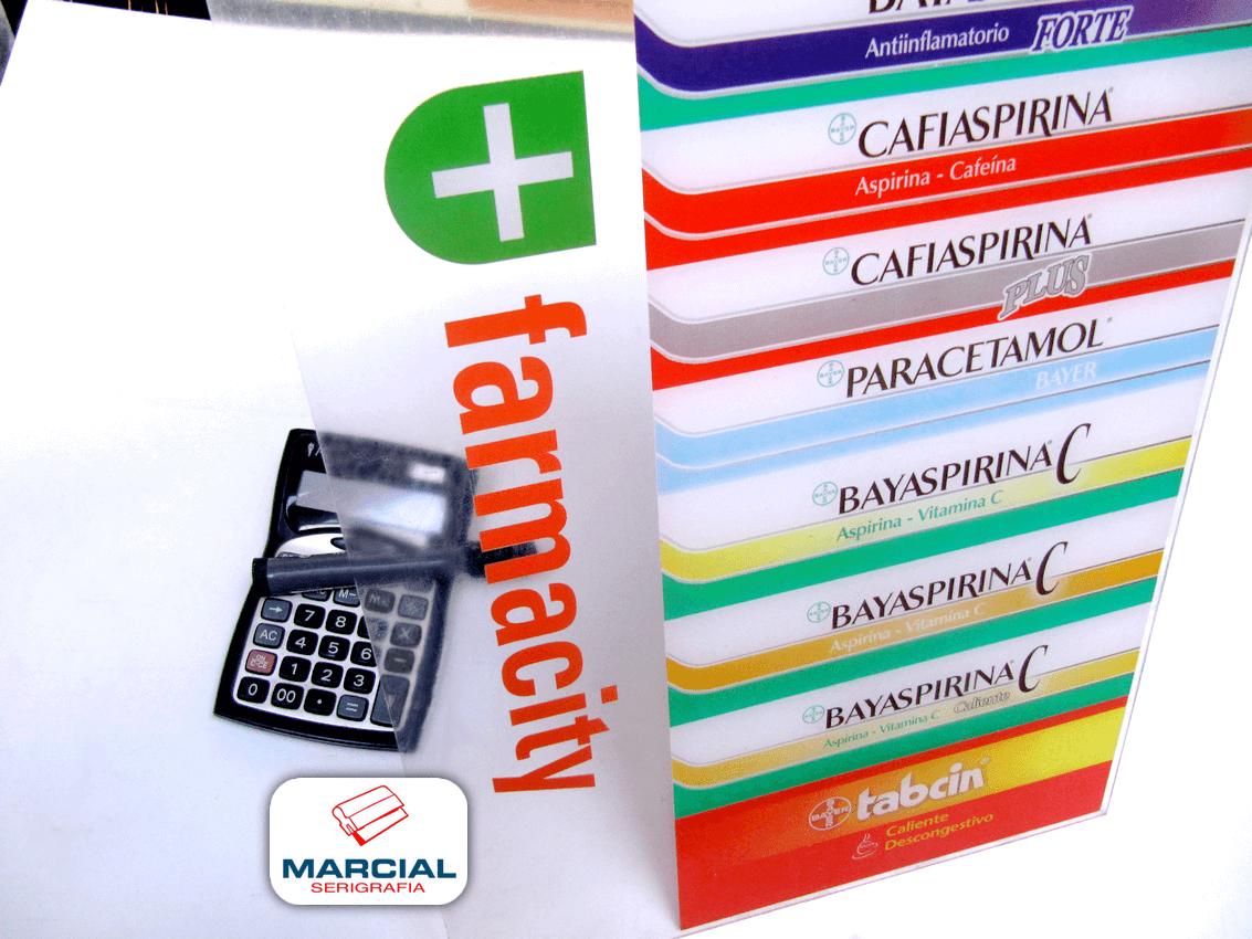 Impresion en serigrafía sobre acrilico de Farmacity - Bayer realizado a 4 colores cuaricromáticos CMYK + Blanco sectorizado. Impreso por Marcial Serigrafia